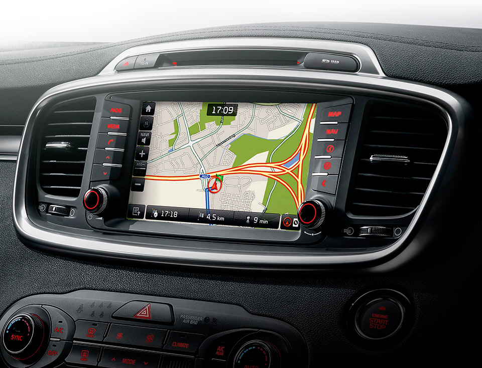 "Navigație cu Display 8"", Radio + Media + SD Navi +RDS + Rear view cam + DAB"